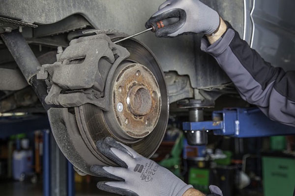 Brake Flushes (5 Reasons Your Car Can't Go On Without Them)